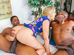 Julia Ann Wins Three Big Prizes image 6